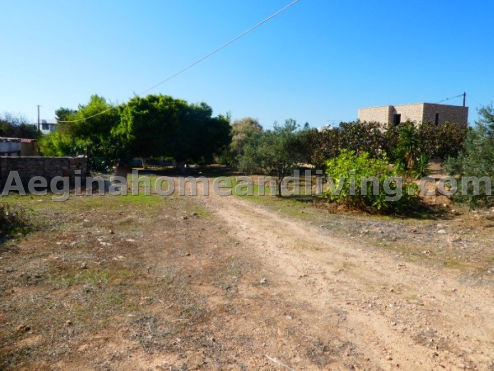 Large land plot(3036 sq m) in a desirable area of Aegina - Property Aegina