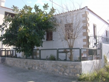 A detached house in the heart of Aegina town - Aegina Home and Living