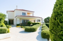 Elegant villa in Paratiritirio            - Aegina Home and Living